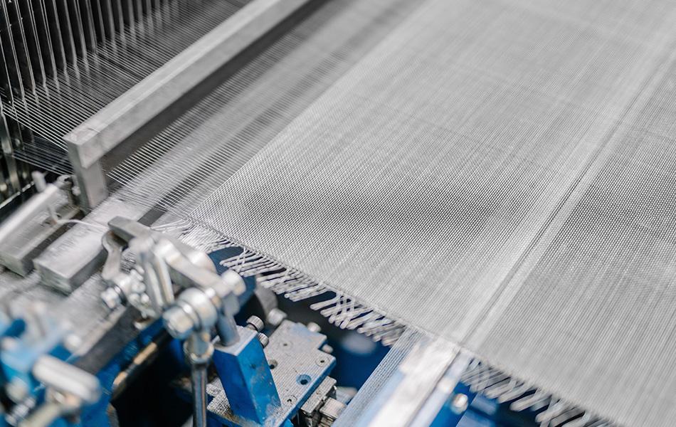 Dettaglio tessitura di una rete metallica